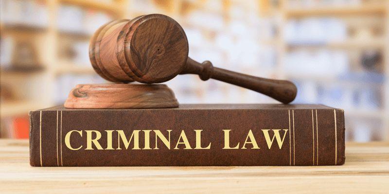criminal defense attorney.jpg